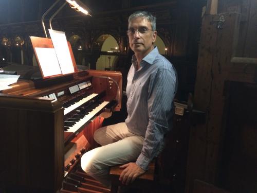 MIQUEL GONZÁLEZ, órgano