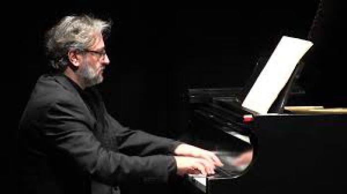 RUBÉN LORENZO, piano