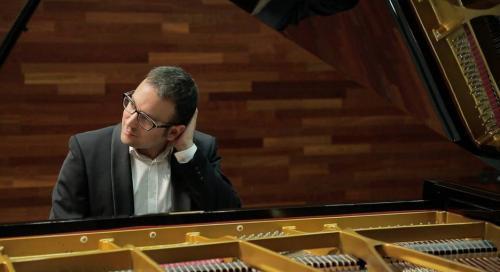 XAVIER TORRES, piano